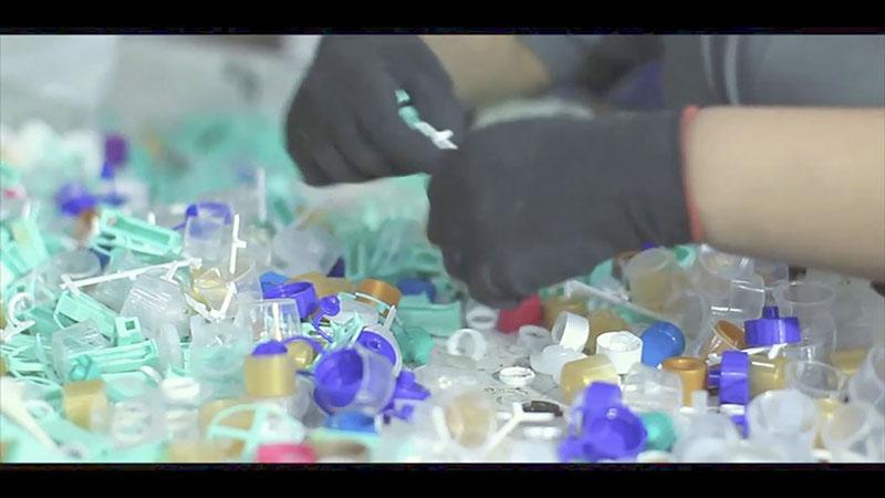 Serviço de reciclagem de plásticos